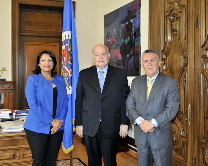 Roxana Silva, José Insulza y Fernando Suárez